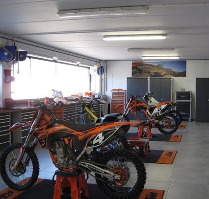 Creació d'un taller de reparació de motocicletes professionals a Oliana