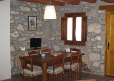 Creació de casa de poble independent (Ca la Pruna) a Coll de Nargó