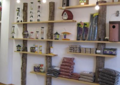 Creació botiga d'objectes i serveis relacionats amb la natura
