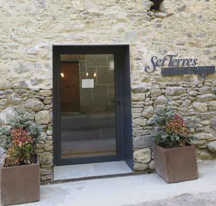 Creació de casa de poble compartida: rehabilitació de les quadres de Cal Estorc