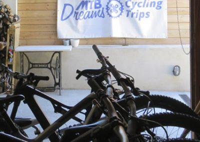 Canvi i millora del local d'oficines i taller amb equipament i adquisició de flota de bicicletes de lloguer